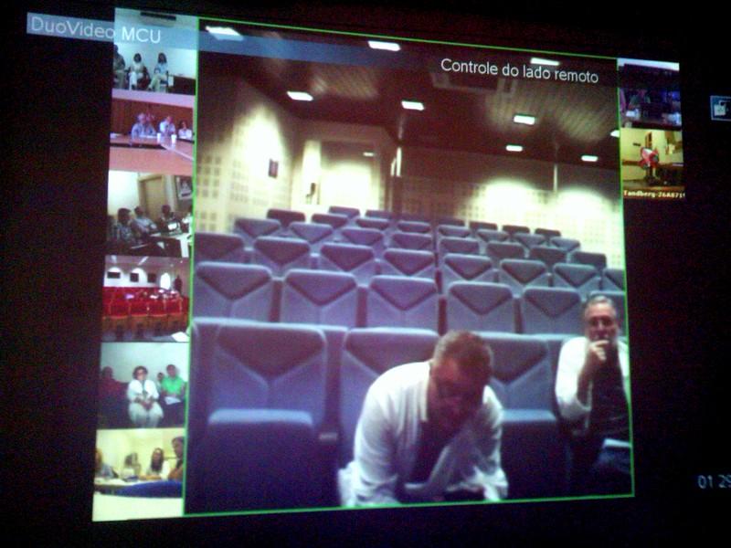 Exemplo de sessão de teleformação entre o Hospital de Faro e as unidades de saúde do algarve