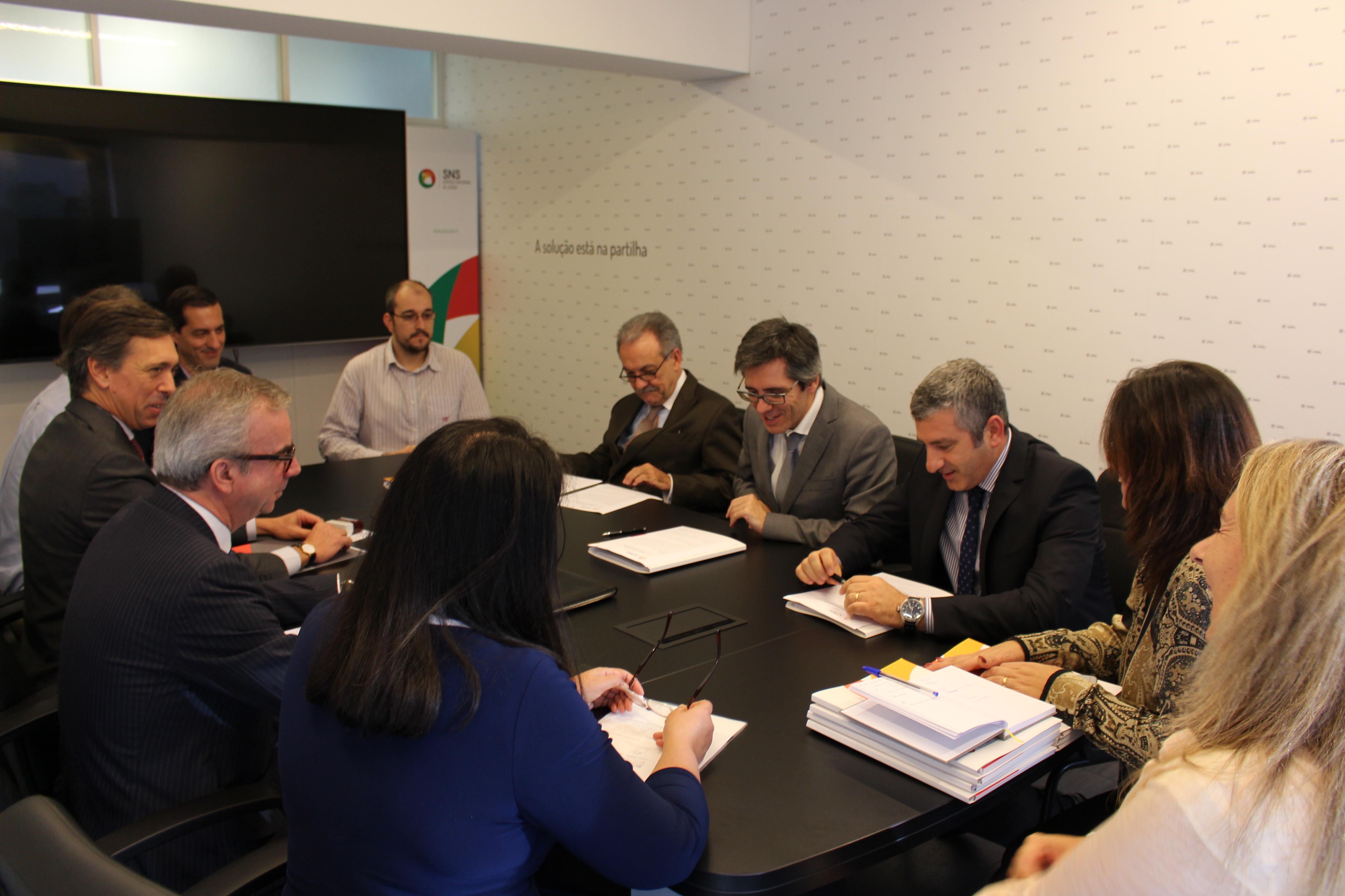 Conselho de Administração da SPMS na assinatura dos contratos do Acordo Quadro de Auditoria e Certificação de Sistemas de Informação