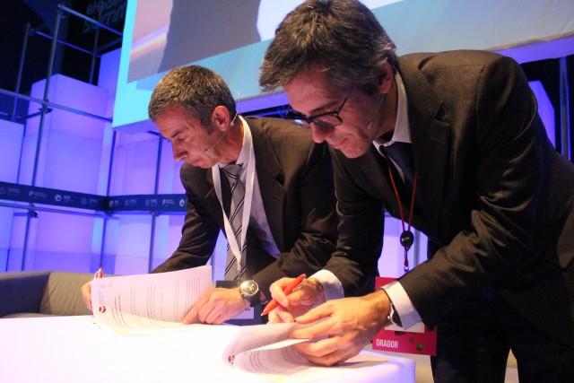 assinatura protocolo univ evora_spms_summit