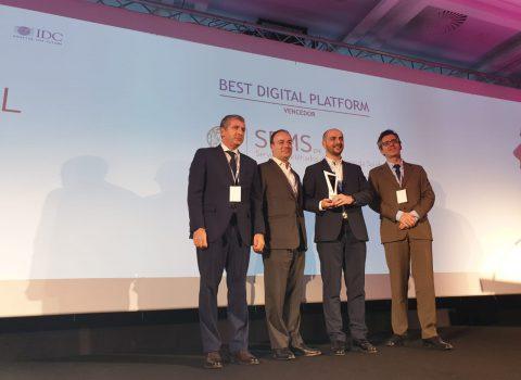 """Projeto """"Exames Sem Papel"""" recebe prémio """"Portugal Digital Awards"""""""