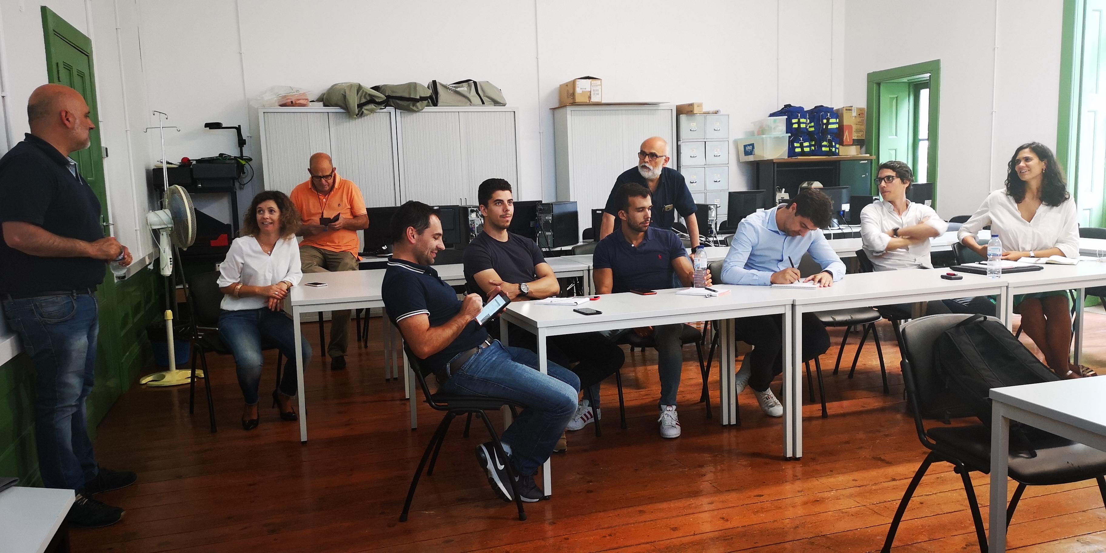 grupo em formação de sala