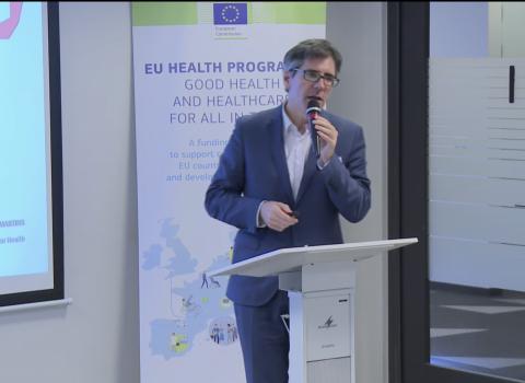 professor Henrique na Conferência sobre medicamentos na polónia
